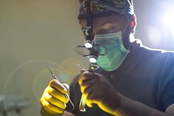 Імплантація зубів