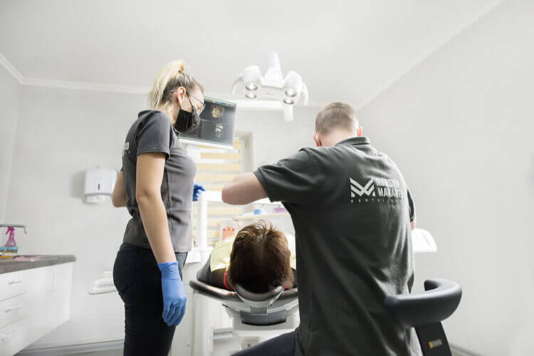 стоматология Максима Макаренко