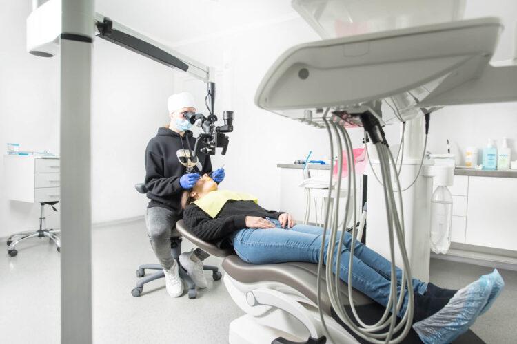 лечение зубов под наркозом (седацией)